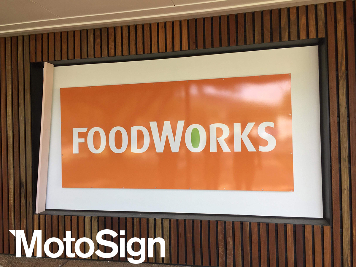 retail-signs-melbourne-motosign-